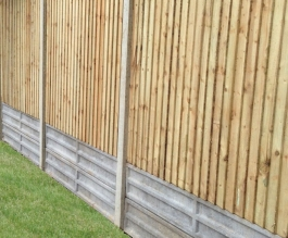 Concrete slotted posts with closeboard panels Thumbnail