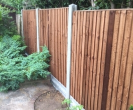 Slotted posts with closeboard panels Thumbnail